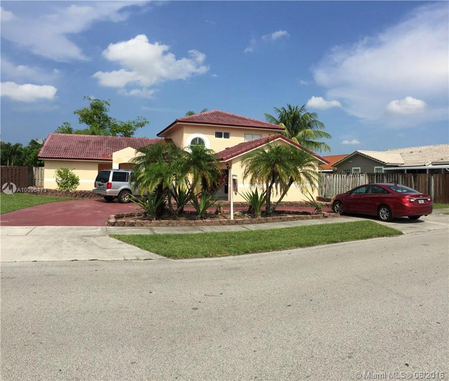 Photo of home for sale at 16951 152nd Ave SW, Miami FL