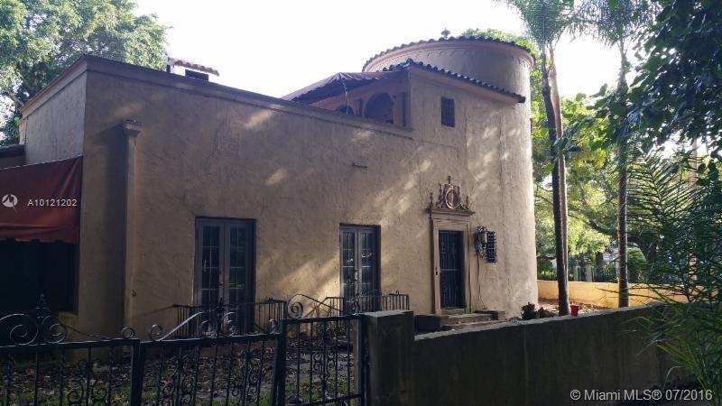 Photo of home for sale at 711 University Dr, Coral Gables FL