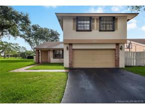 Property for sale at 760 Rock Hill Ave, Davie,  Florida 33325