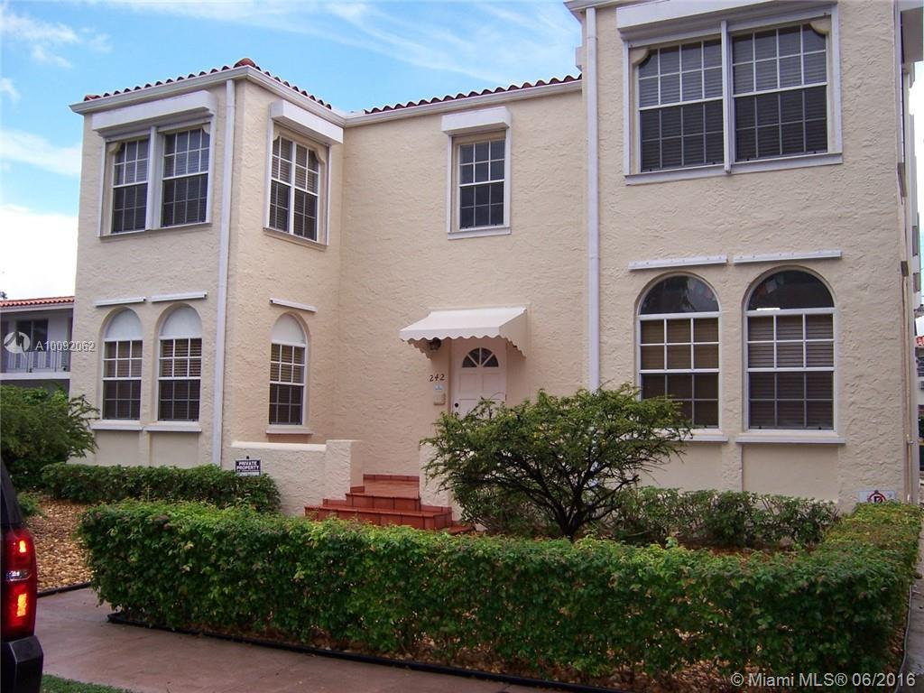 Photo of home for sale at 242 Madeira Ave, Coral Gables FL