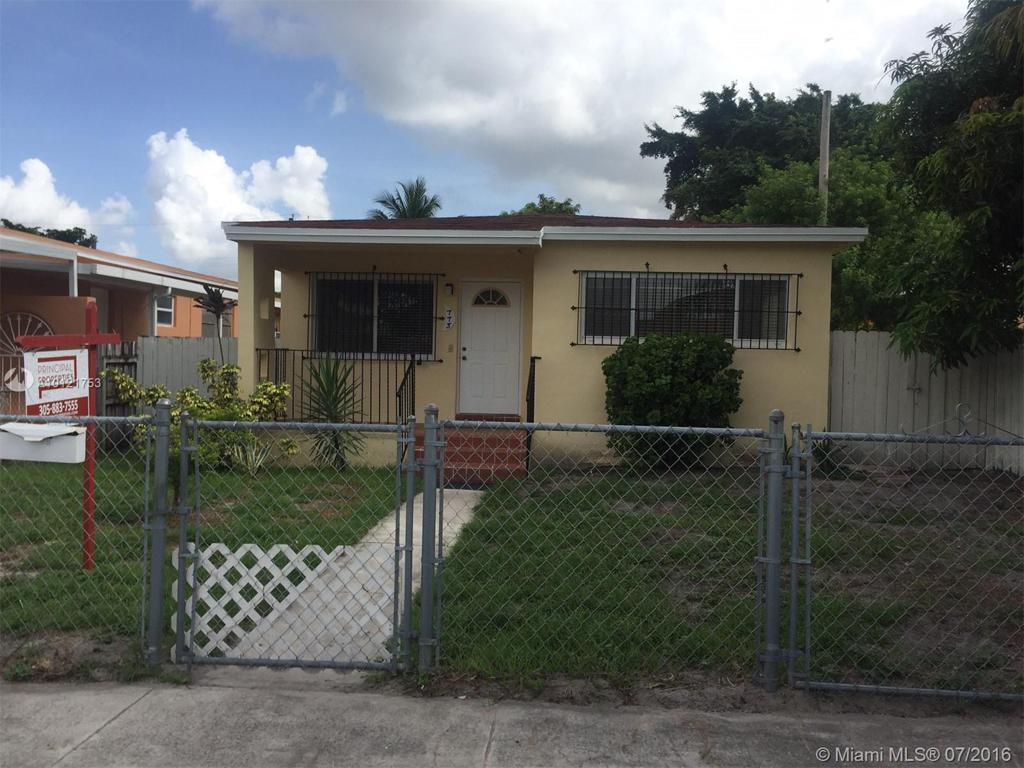 Photo of home for sale at 773 39th St E, Hialeah FL