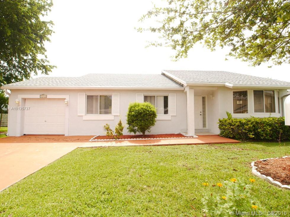 Photo of home for sale at 14510 139th Ave SW, Miami FL