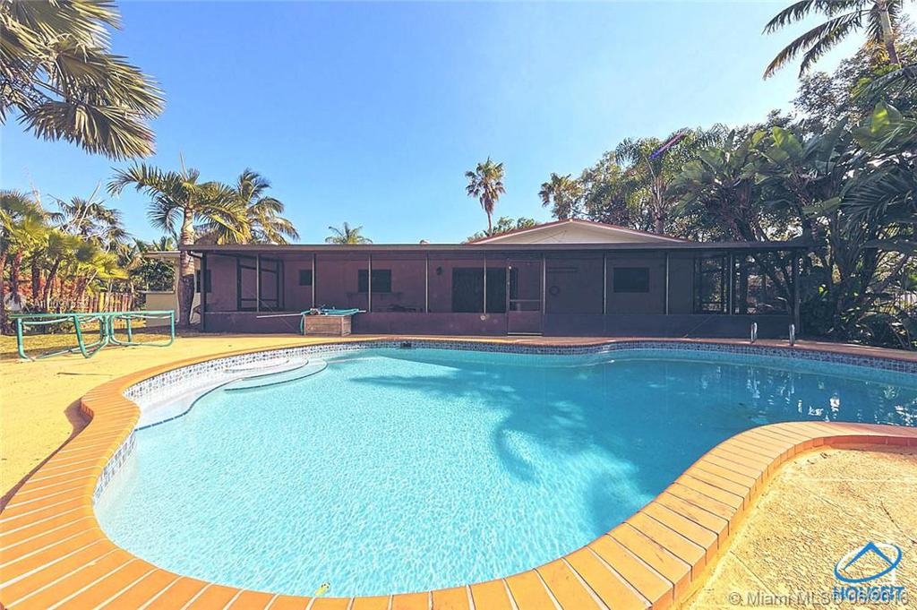 Photo of home for sale at 8351 100 ST SW, Miami FL