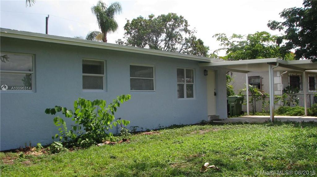 Photo of home for sale at 1616 15 PL NW, Fort Lauderdale FL