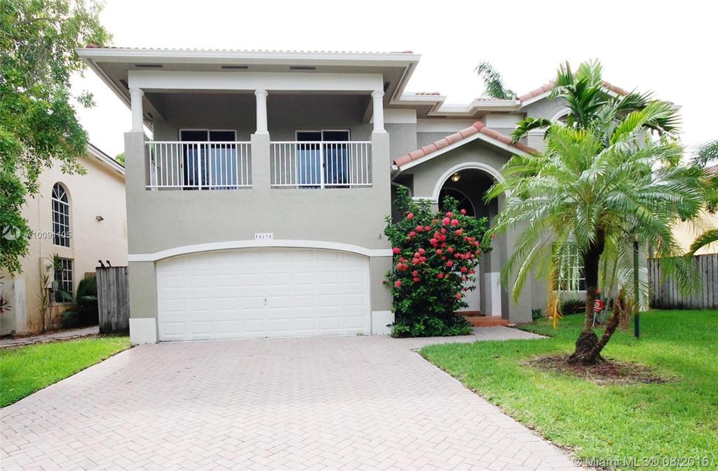 Photo of home for sale at 14254 129th Pl SW, Miami FL
