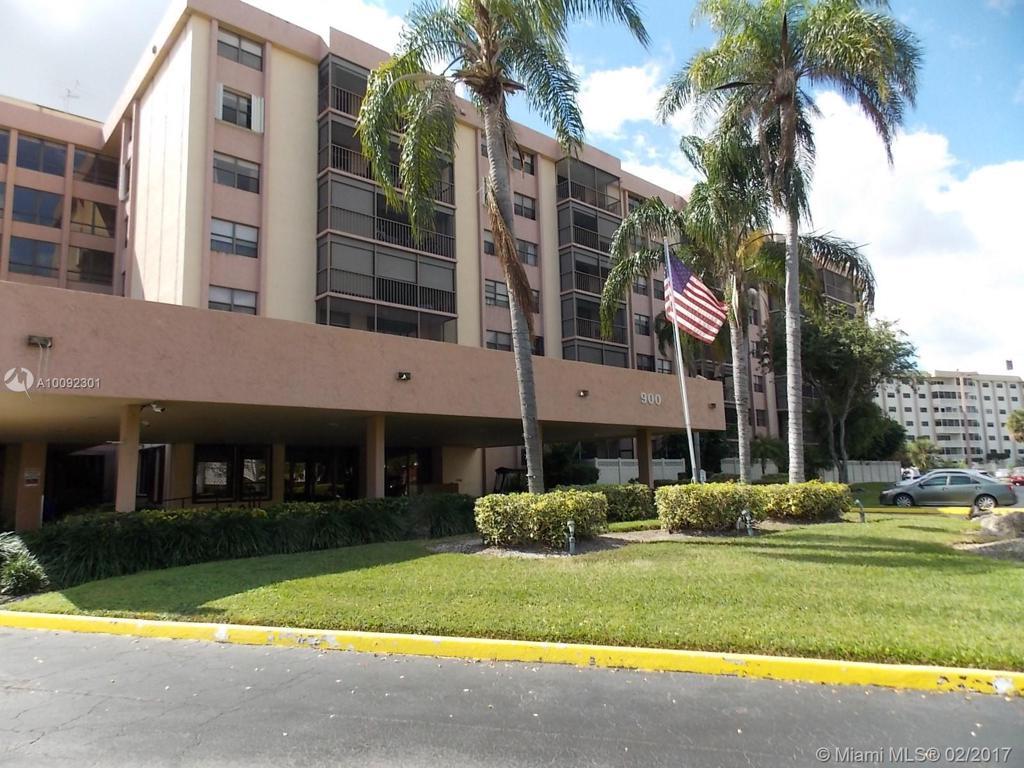 Photo of home for sale at 900 195th St NE, Miami FL