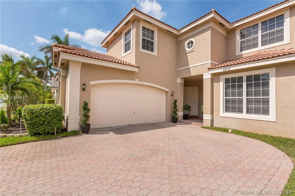 Photo of home for sale at 1872 156th Ave SW, Miramar FL