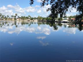 Property for sale at 1831 NE 42nd St, Oakland Park,  Florida 33308