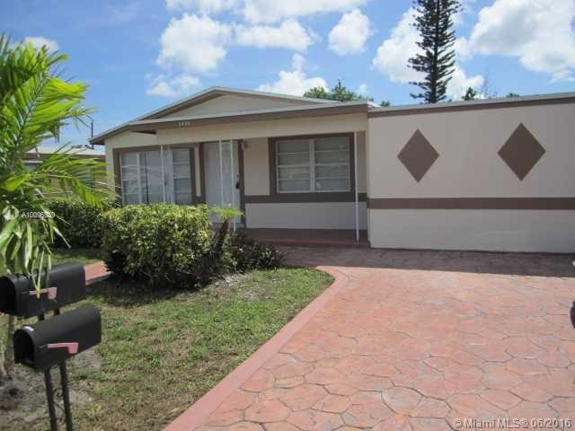 Photo of home for sale at 2438 Thomas, Hollywood FL