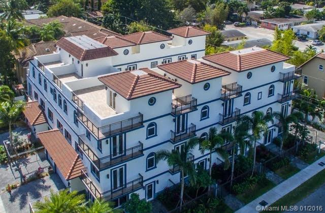 Photo of home for sale at 816 7th NE, Fort Lauderdale FL