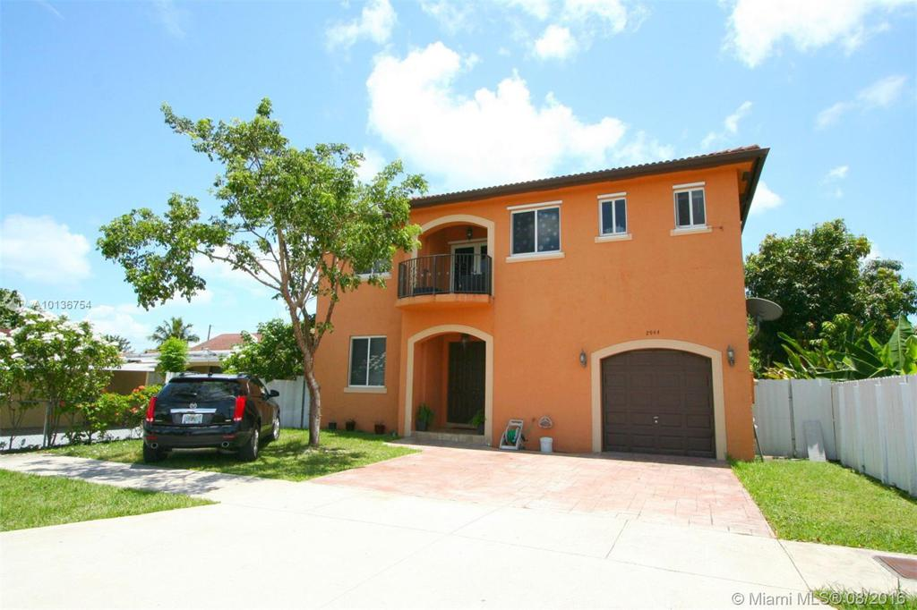 Photo of home for sale at 2944 24 St SW, Miami FL