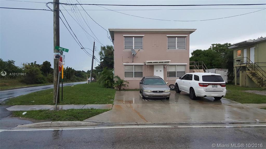 Photo of home for sale at 3740 Avenue S, Riviera Beach FL