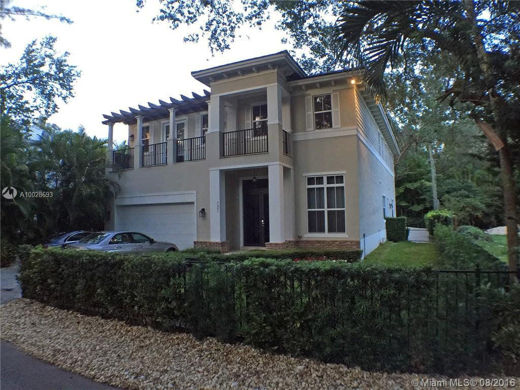 Photo of home for sale at 7221 47th Ct SW, Miami FL