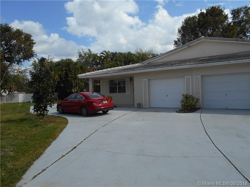 Photo of home for sale at 9002 23rd St NW, Coral Springs FL