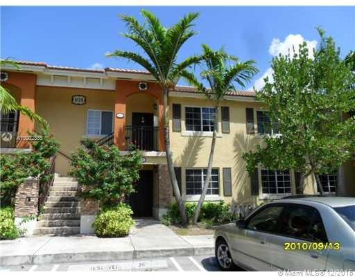 Photo of home for sale at 935 33rd Ter NE, Homestead FL