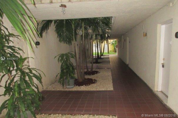 Photo of home for sale at 10090 80th Ct NW, Hialeah Gardens FL