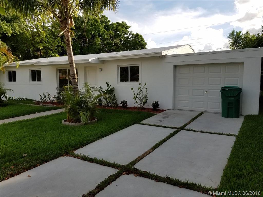 Photo of home for sale at 20400 114th Ct SW, Miami FL