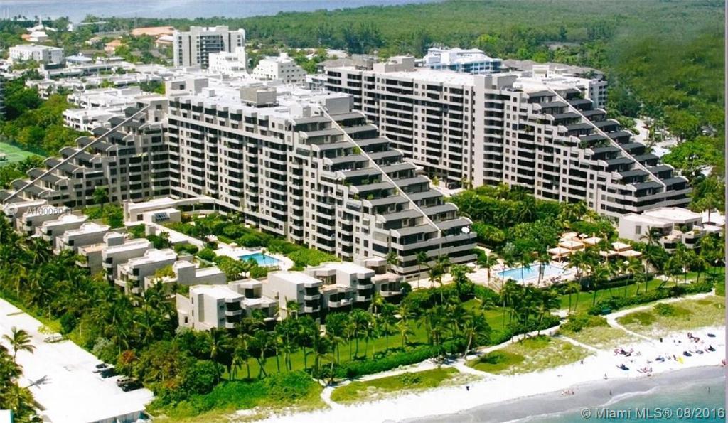 Photo of home for sale at 201 Crandon Blvd, Key Biscayne FL