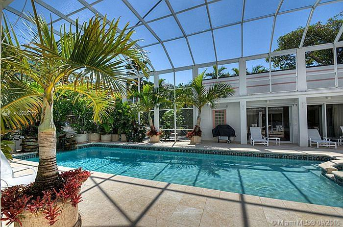 Photo of home for sale at 355 Atlantic Rd, Key Biscayne FL