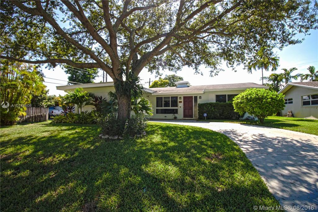 Photo of home for sale at 2110 44th Ave N, Hollywood FL