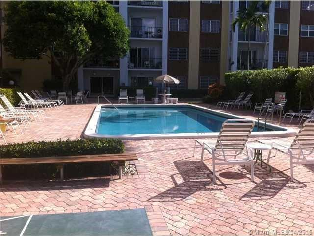 Photo of home for sale at 400 Riverside Dr N, Pompano Beach FL