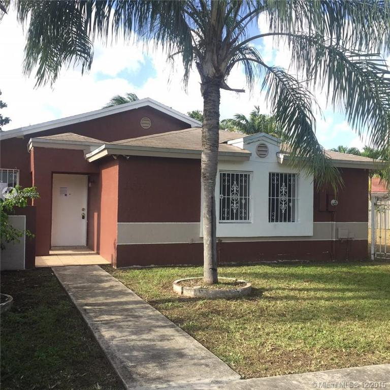 Photo of home for sale at 11517 175th Ter SW, Miami FL