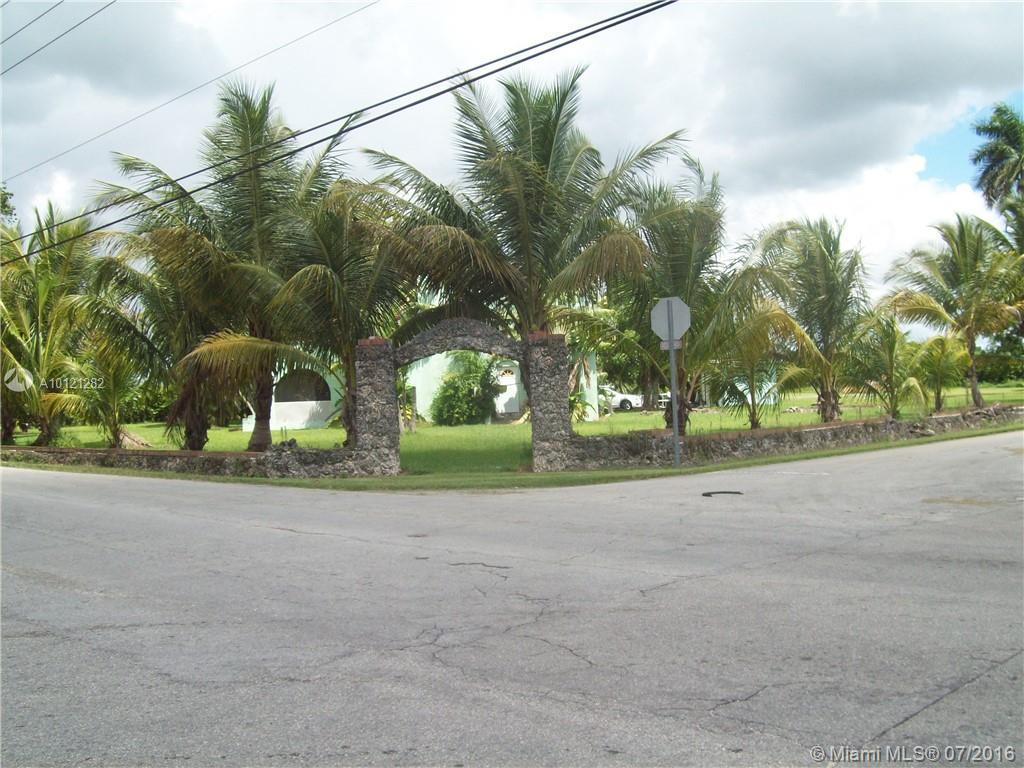 Photo of home for sale at 19701 232nd St SW, Miami FL