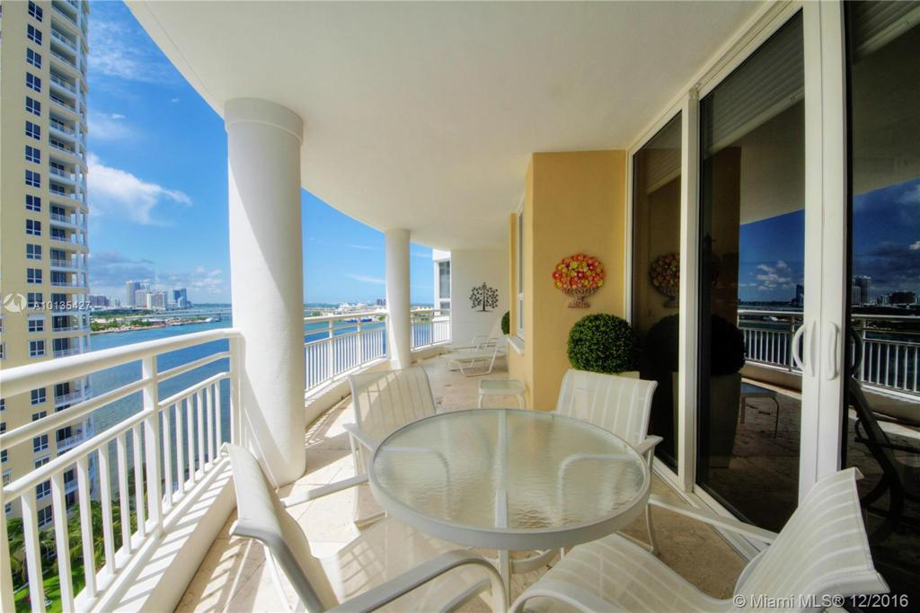 Photo of home for sale at 808 Brickell Key Dr, Miami FL