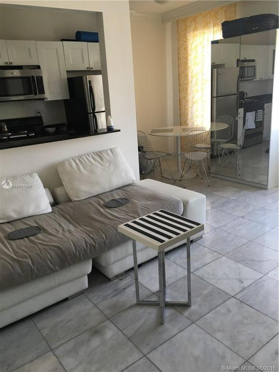 Photo of home for sale at 1619 Lenox Ave, Miami Beach FL