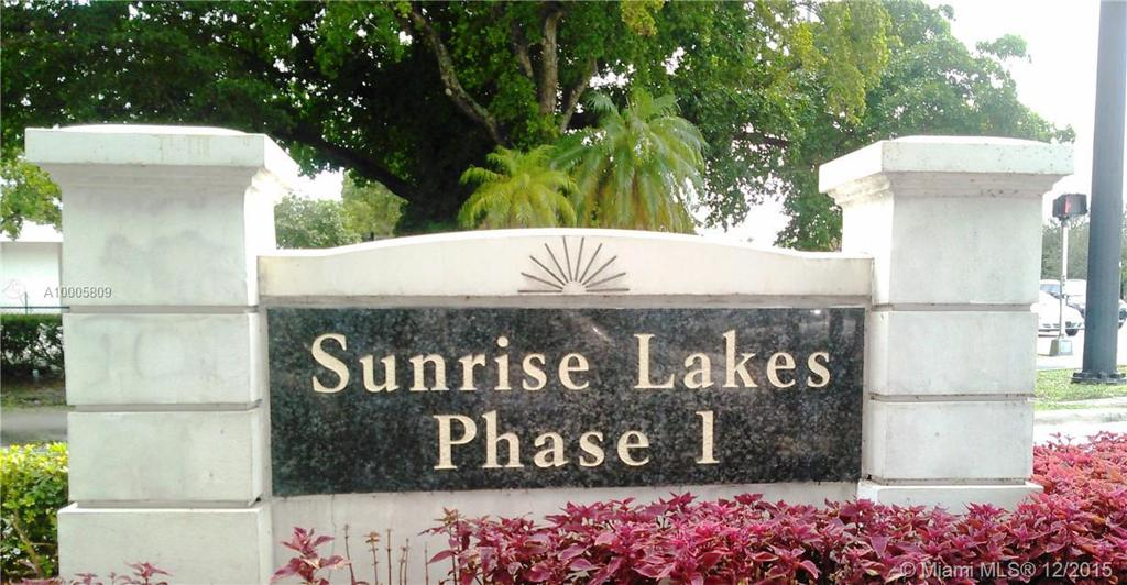 Photo of home for sale at 2900 Sunrise Lakes Dr, Sunrise FL