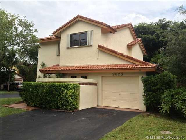 Photo of home for sale at 9628 150th Pl SW, Miami FL