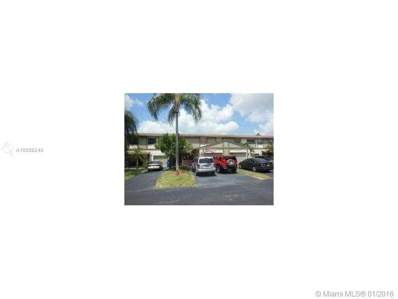 Photo of home for sale at 4119 79 AV NW, Sunrise FL