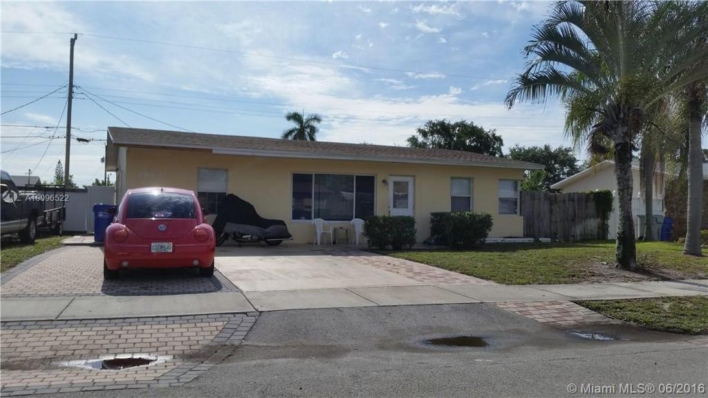 Photo of home for sale at 2840 8th Ave, Pompano Beach FL