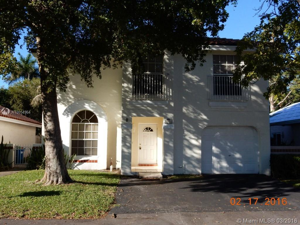 Photo of home for sale at 1263 Seagrape Cir, Weston FL