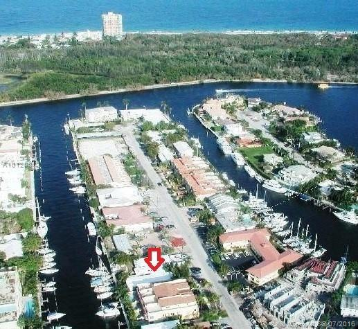 Photo of home for sale at 2721 14th St NE, Fort Lauderdale FL