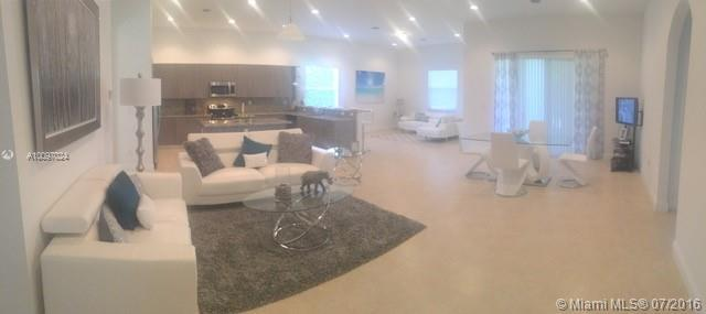 Photo of home for sale at 29621 165th Ct SW, Homestead FL
