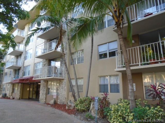 Photo of home for sale at 1805 Sans Souci Blvd, North Miami FL