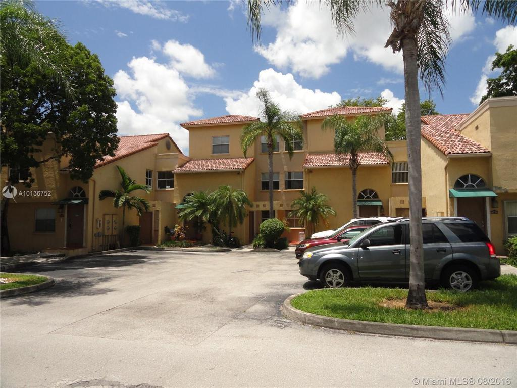 Photo of home for sale at 4746 97th Ct NW, Doral FL