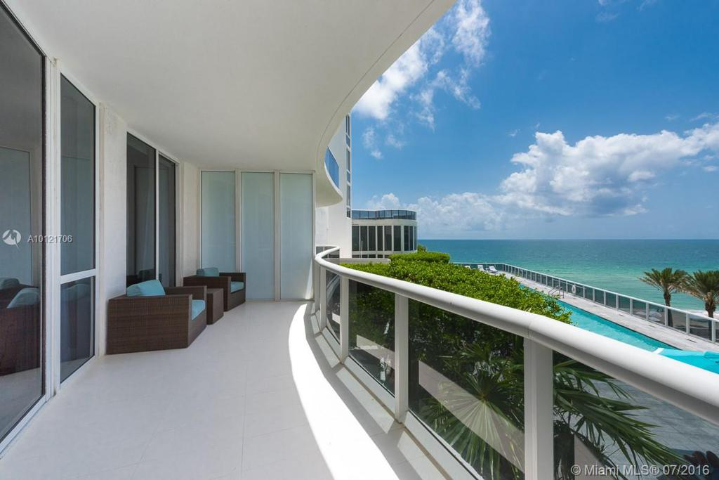 Photo of home for sale at 16001 Collins Ave, Sunny Isles Beach FL