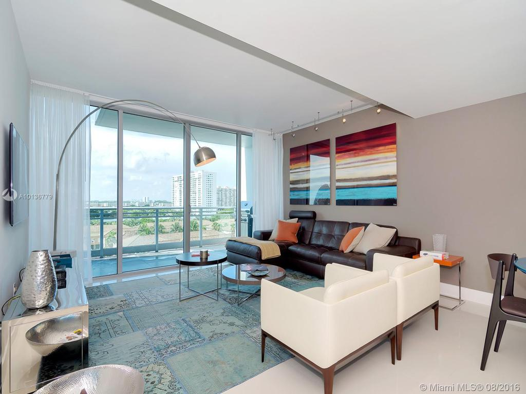 Photo of home for sale at 2950 188th St, Aventura FL
