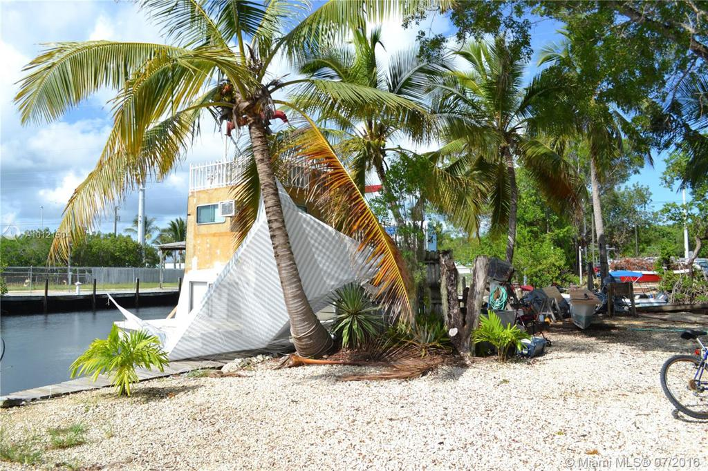 Photo of home for sale at 849 Largo Rd, Other City - Keys/Islands/Caribbean FL