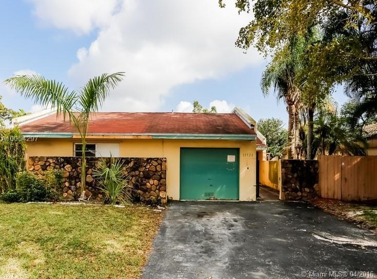 Photo of home for sale at 11521 83rd Ter SW, Miami FL