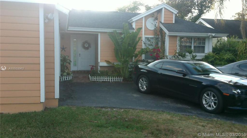 Photo of home for sale at 10364 141 Ct SW, Miami FL