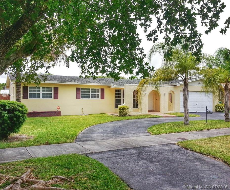 Photo of home for sale at 20200 83rd Ave SW, Cutler Bay FL