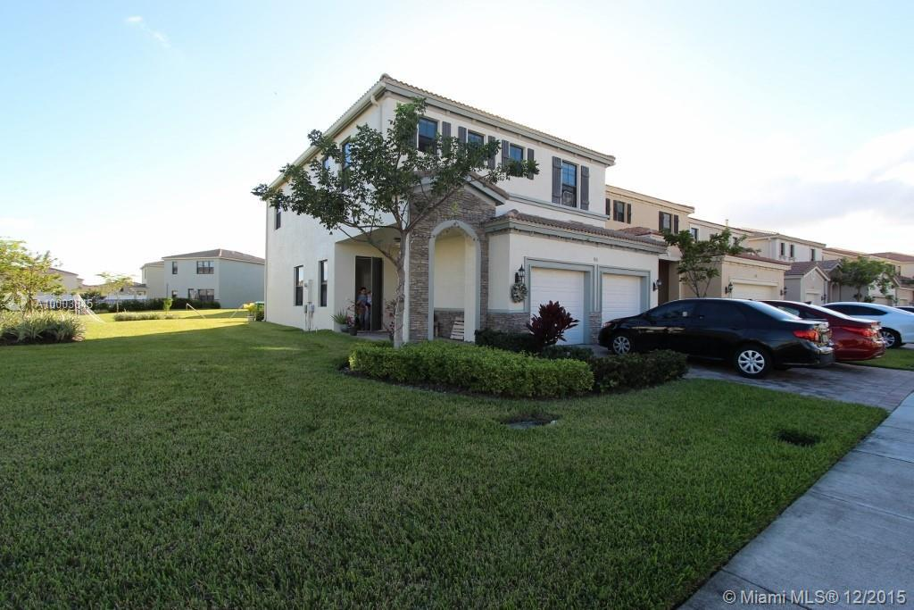 Photo of home for sale at 816 193rd Ter NE, Miami FL