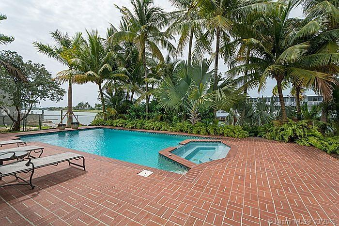 Photo of home for sale at 12385 KEYSTONE ISLAND DR, North Miami FL