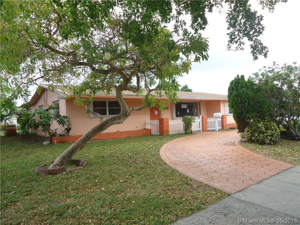Photo of home for sale at 5216 Jefferson St, Hollywood FL
