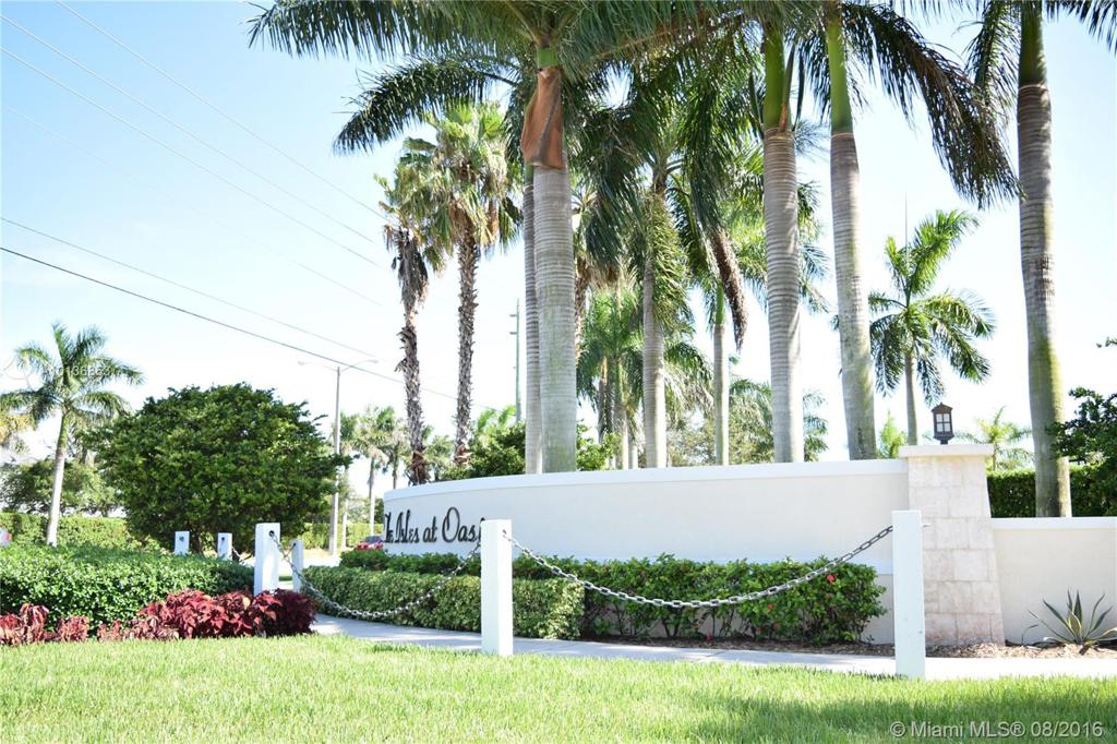 Photo of home for sale at 2348 3rd Ct NE, Homestead FL