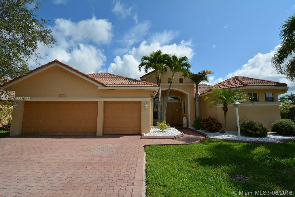 Photo of home for sale at 13915 22nd Ct NW, Pembroke Pines FL