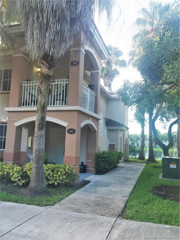 Photo of home for sale at 1251 27th St SE, Homestead FL